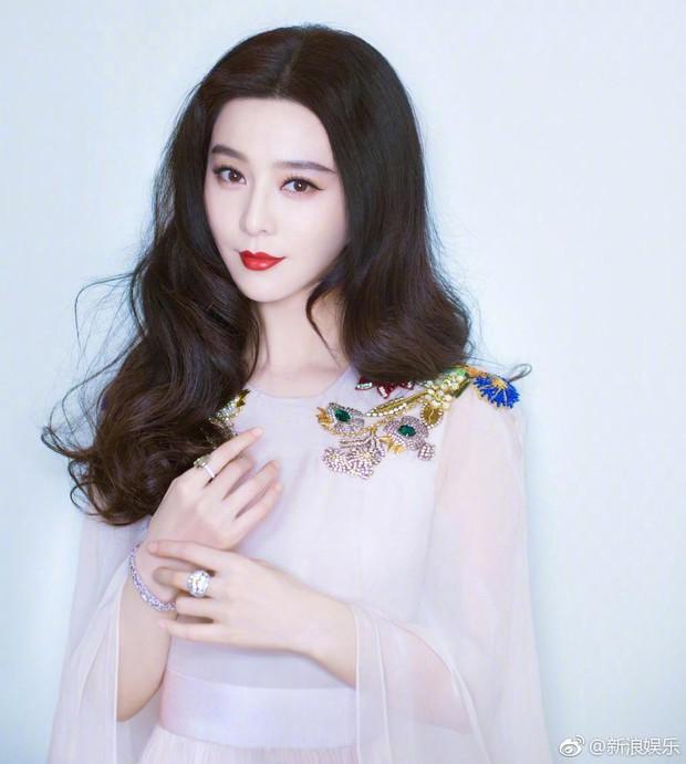 """Netizen phản ứng gay gắt với quyết định xử phạt Phạm Băng Băng: """"Đuổi cô ta khỏi giới giải trí đi - Ảnh 2."""