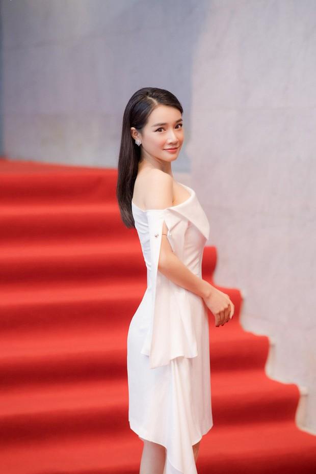 Nhã Phương mặc gì cũng đẹp nhưng hoàn hảo nhất khi mặc chiếc váy này - Ảnh 3