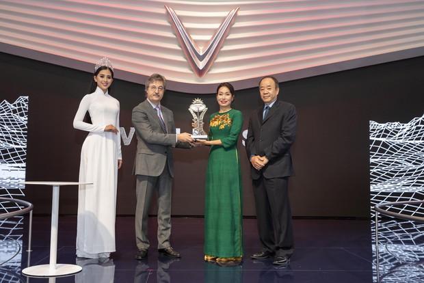 VinFast được tổ chức về ô tô hàng đầu châu Âu trao giải Ngôi sao mới tại Paris Motor Show 2018 - Ảnh 2.