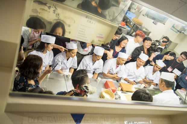Đông Nhi hào hứng học làm sushi, cùng nghệ sĩ các nước ASEAN khám phá Nhật Bản - Ảnh 9.