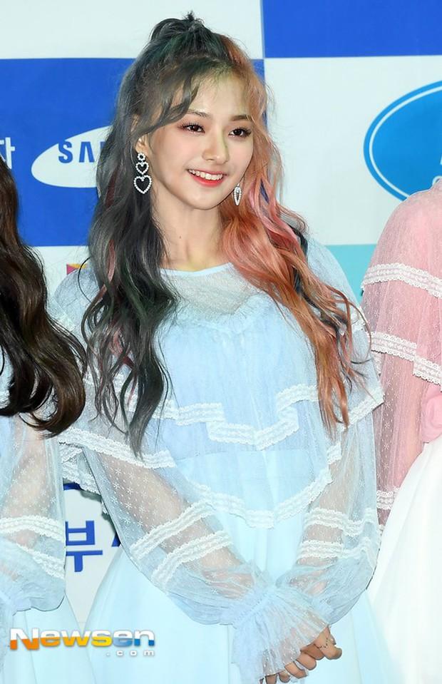 Thảm đỏ Asia Song Festival: Vũ Cát Tường lộ diện, nữ thần Nancy, Seventeen và dàn idol mặt trắng bệch thảm họa - Ảnh 18.