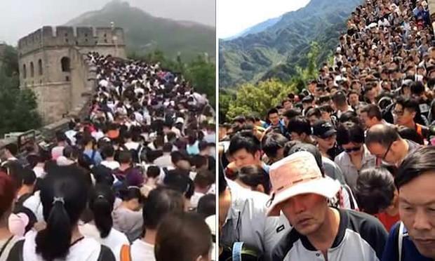 Tuần lễ Quốc khánh tại Trung Quốc: Hàng chục nghìn du khách đổ xô tới Vạn Lý Trường Thành, gây ách tắc nghiêm trọng - Ảnh 2.