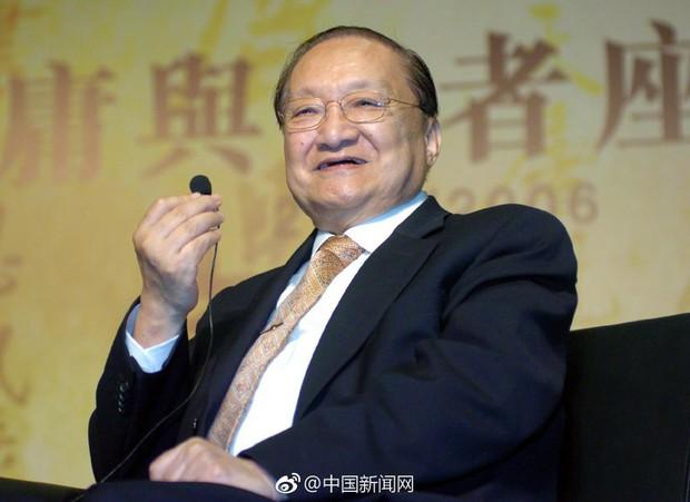 Nhà văn kiếm hiệp Kim Dung từ trần ở tuổi 94 - Ảnh 1.