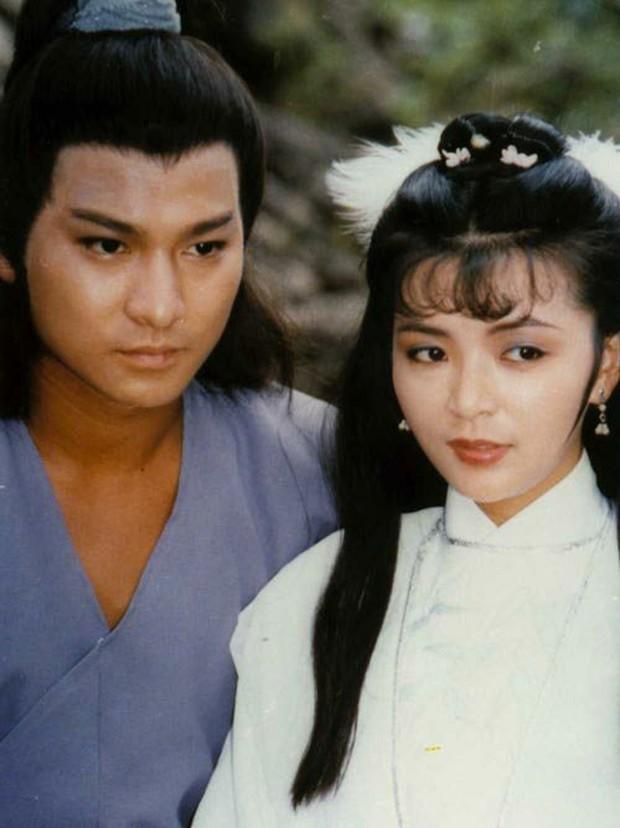 Châu Tấn, Lục Tiểu Linh Đồng cùng loạt sao tiếc thương trước sự ra đi của nhà văn Kim Dung - Ảnh 5.
