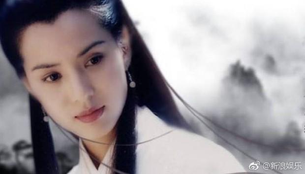 Châu Tấn, Lục Tiểu Linh Đồng cùng loạt sao tiếc thương trước sự ra đi của nhà văn Kim Dung - Ảnh 6.