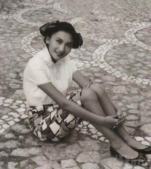 Nhà văn Kim Dung qua đời cùng ngày cùng tháng với người tình trong mộng - Ảnh 3.