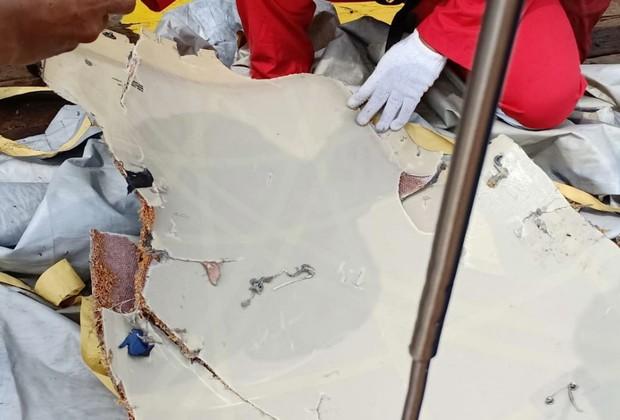 Chuyên gia hàng không đề cập khả năng máy bay Lion Air bị gài bom - Ảnh 1.