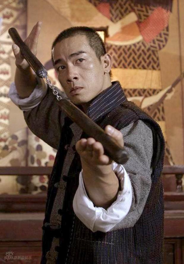 Châu Tấn, Lục Tiểu Linh Đồng cùng loạt sao tiếc thương trước sự ra đi của nhà văn Kim Dung - Ảnh 7.