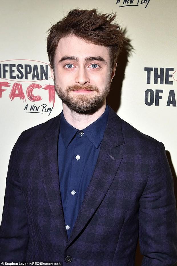 Giàu có như Emma Watson hay Ed Sheeran cũng phải chào thua một ngôi sao không làm gì vẫn kiếm ra 460 tỷ một năm - Ảnh 3.