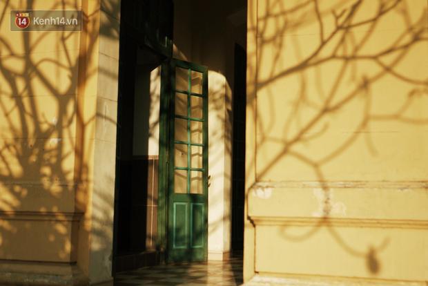 Ngôi trường lâu đời nhất Hà Nội - 110 năm qua vẫn vẹn nguyên vẻ đẹp yên bình, rêu phong và thách thức thời gian - Ảnh 7.