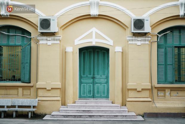 Ngôi trường lâu đời nhất Hà Nội - 110 năm qua vẫn vẹn nguyên vẻ đẹp yên bình, rêu phong và thách thức thời gian - Ảnh 5.