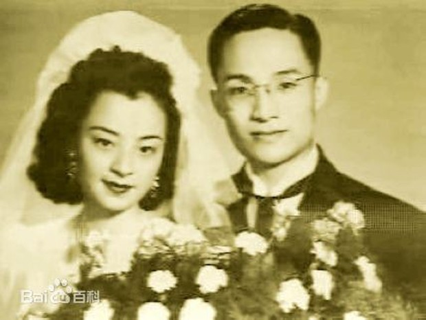 Kim Dung - Cuộc đời đào hoa nhiều bi kịch 3 lần kết hôn trắc trở - Ảnh 4.