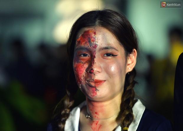 Màn hóa trang Halloween kinh dị nhất tại Đại học Mỹ Thuật Việt Nam - Ảnh 5.
