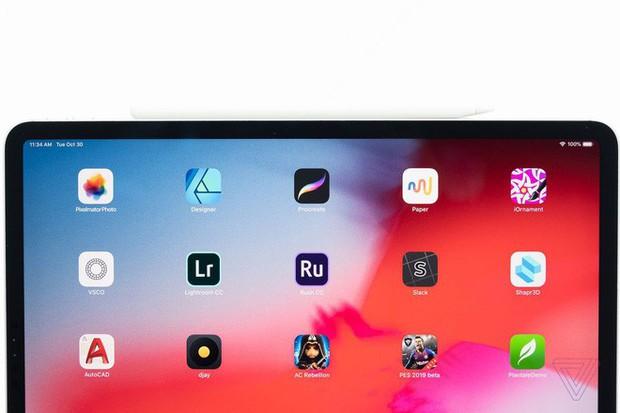 Ngắm ảnh cận cảnh iPad Pro mới: Chiếc tablet thiết kế toàn màn hình đầu tiên của Apple - Ảnh 2.