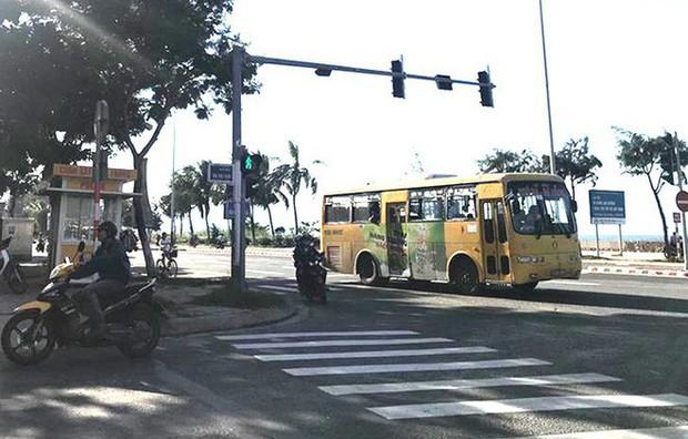 Cảnh sát Đà Nẵng rượt đuổi 5km bắt cướp... cuối cùng là kẻ vỗ mông cô gái - Ảnh 2.