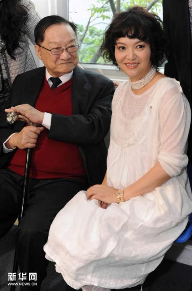 Kim Dung - Cuộc đời đào hoa nhiều bi kịch 3 lần kết hôn trắc trở- Ảnh 8.
