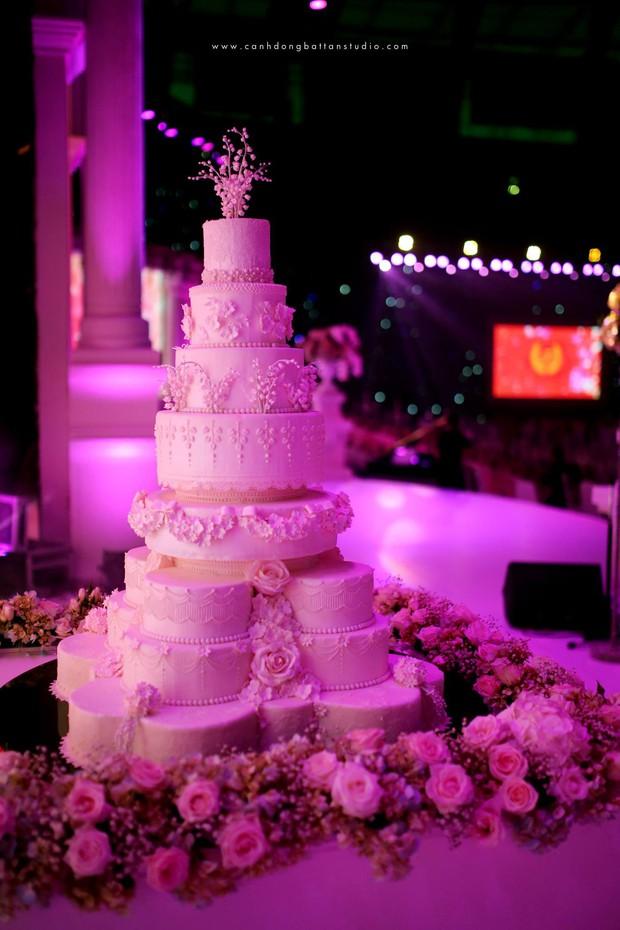 Đám cưới siêu khủng ở Đà Nẵng: Thuê nhà thi đấu có sức chứa hơn 7.000 khách, mời dàn ca sĩ nổi tiếng Đàm Vĩnh Hưng, Dương Triệu Vũ - Ảnh 5.