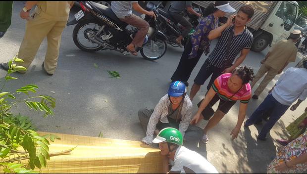 Hà Nội: Vụ tai nạn tàu hỏa khiến 1 người đàn ông tử vong sáng nay - Ảnh 1.