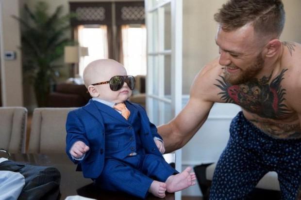 Bặm trợn, đầu gấu nhưng Gã điên Conor McGregor lại có một cậu quý tử đáng yêu hết cỡ - Ảnh 7.