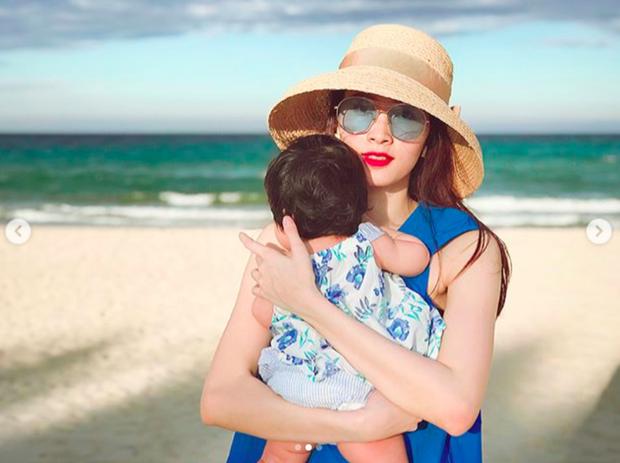 Đặng Thu Thảo khoe khoảnh khắc bình yên bên con gái 6 tháng tuổi - Ảnh 2.