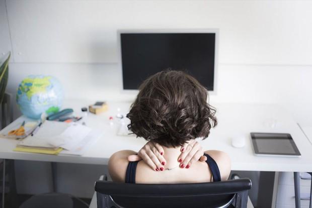Loại vitamin mà dân văn phòng nào cũng thiếu có thể gây ra hàng loạt vấn đề sức khỏe không ngờ - Ảnh 2.