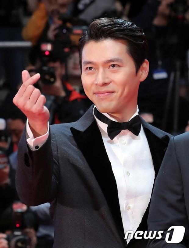 Thảm đỏ LHP quốc tế Busan hội tụ gần 30 siêu sao: Jang Dong Gun - Hyun Bin như ông hoàng, dàn mỹ nhân quá lộng lẫy - Ảnh 5.