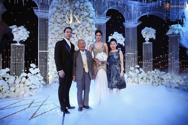 Clip: Đột nhập đám cưới Lan Khuê với dàn khách mời siêu hot! - Ảnh 2.