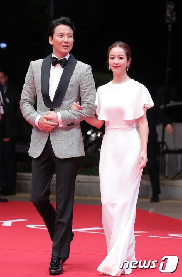 Thảm đỏ LHP quốc tế Busan hội tụ gần 30 siêu sao: Jang Dong Gun - Hyun Bin như ông hoàng, dàn mỹ nhân quá lộng lẫy - Ảnh 24.