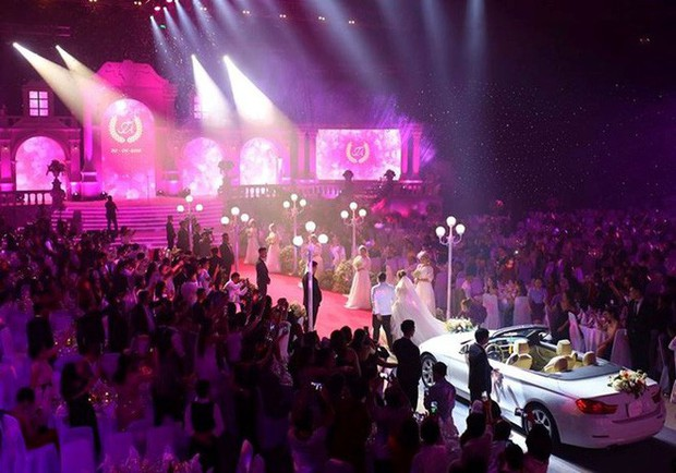 Đám cưới siêu khủng ở Đà Nẵng: Thuê nhà thi đấu có sức chứa hơn 7.000 khách, mời dàn ca sĩ nổi tiếng Đàm Vĩnh Hưng, Dương Triệu Vũ - Ảnh 7.
