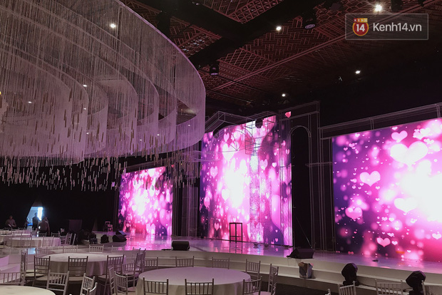 Độc quyền: Hé lộ những hình ảnh đầu tiên về không gian tiệc cưới lộng lẫy của Lan Khuê - John Tuấn Nguyễn - Ảnh 1.