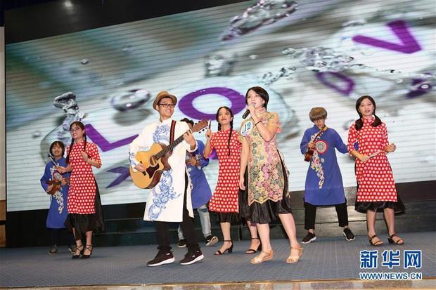 Báo Trung Quốc đồng loạt đưa tin về cuộc thi tài năng sinh viên tiếng Trung tổ chức tại Đại học Hà Nội - Ảnh 1.
