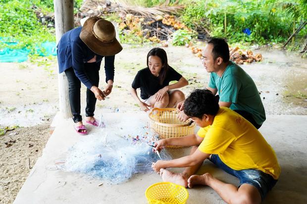 Thu Trang - Tiến Luật hăng hái đi phượt trong mưa giữa đảo ngọc Phú Quốc - Ảnh 5.