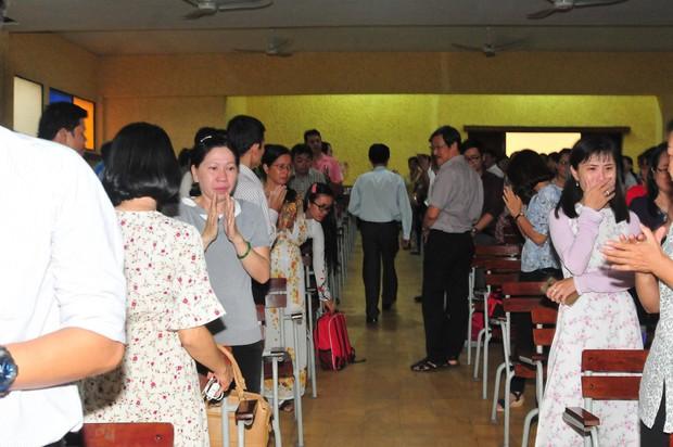 Có một thầy hiệu trưởng đã khiến cả trường chuyên Trần Đại Nghĩa bật khóc khi chuyển công tác - Ảnh 7.