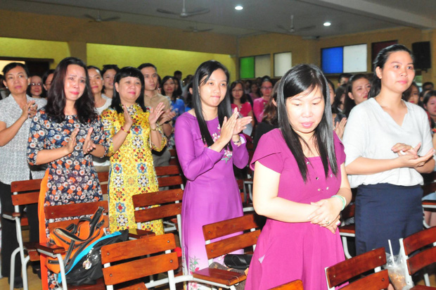 Có một thầy hiệu trưởng đã khiến cả trường chuyên Trần Đại Nghĩa bật khóc khi chuyển công tác - Ảnh 8.