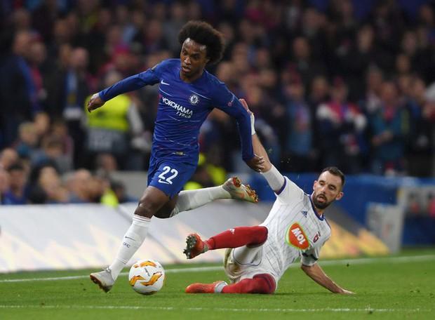 Chân gỗ Morata hóa người hùng cho Chelsea, AC Milan ngược dòng kịch tính với 3 bàn trong 9 phút - Ảnh 1.