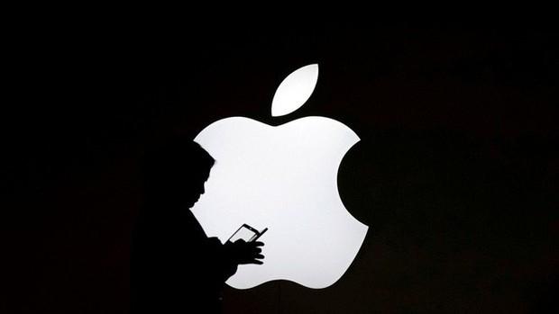"""Apple phản hồi việc bị cài chip gián điệp vào máy chủ: """"Báo cáo của Bloomberg là bịa đặt và không đúng sự thật"""" - Ảnh 1."""