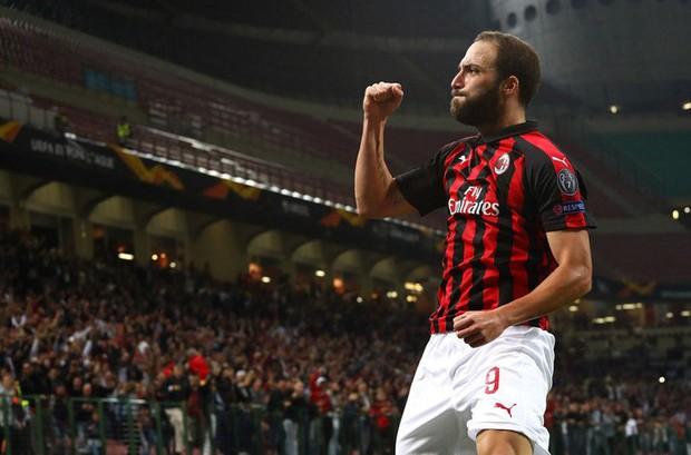Chân gỗ Morata hóa người hùng cho Chelsea, AC Milan ngược dòng kịch tính với 3 bàn trong 9 phút - Ảnh 11.