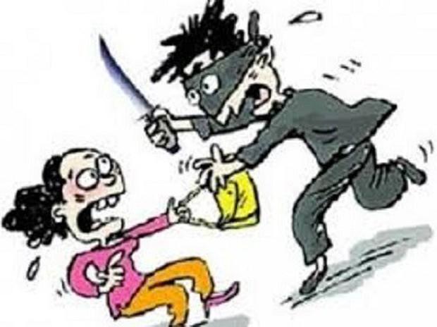 Sự thật vụ nữ công nhân trình báo bị nhóm đối tượng ép xe khống chế cướp táo tợn - Ảnh 1.