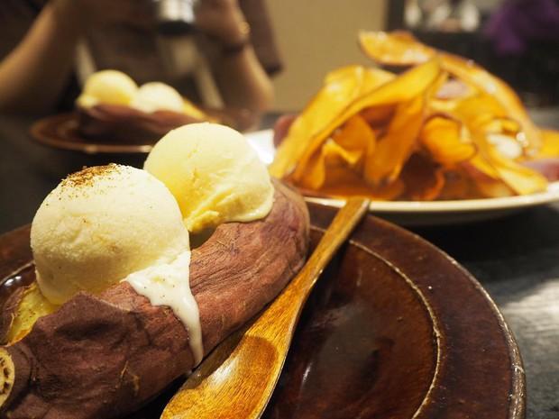 Chỉ cần cho thêm nguyên liệu này vào thôi mà củ khoai lang nướng ở Nhật đội giá lên hơn cả trăm nghìn - Ảnh 2.