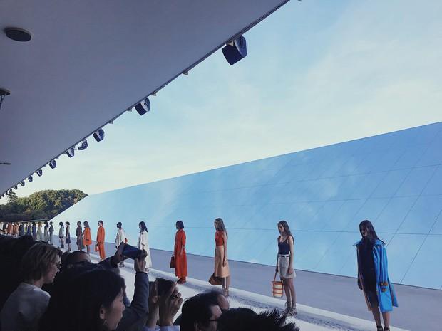 Không kém cạnh các fashionisto nước ngoài, Việt Nam cũng có nhân vật dự tới 3 show đình đám tại Paris Fashion Week - Ảnh 6.