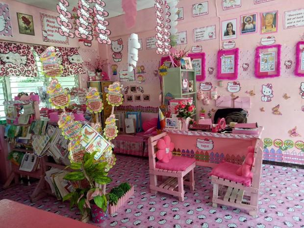 Cô giáo đáng yêu nhất quả đất: Dành 3 năm biến lớp học cũ kỹ thành căn phòng rợp màu hồng Hello Kitty - Ảnh 3.