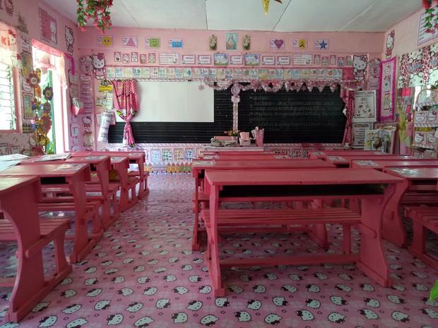 Cô giáo đáng yêu nhất quả đất: Dành 3 năm biến lớp học cũ kỹ thành căn phòng rợp màu hồng Hello Kitty - Ảnh 9.