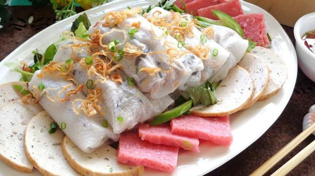 Dù chỉ là yếu tố phụ nhưng nem chua đã góp phần tô điểm cho nhiều món ngon ở Sài Gòn - Ảnh 8.