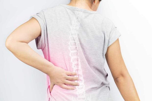 Tình trạng đau nhức vùng cổ, cứ tưởng là bình thường nhưng lại cảnh báo nhiều căn bệnh tiềm ẩn mà bạn không hề hay biết - Ảnh 1.