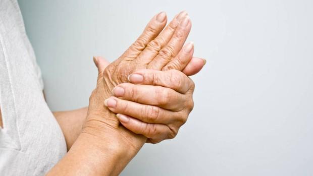 Tình trạng đau nhức vùng cổ, cứ tưởng là bình thường nhưng lại cảnh báo nhiều căn bệnh tiềm ẩn mà bạn không hề hay biết - Ảnh 4.