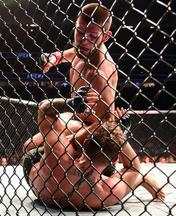 Gã điên McGregor thua đau trong lần tái xuất, tạo ra vụ ẩu đả chưa từng có trong lịch sử UFC - Ảnh 8.