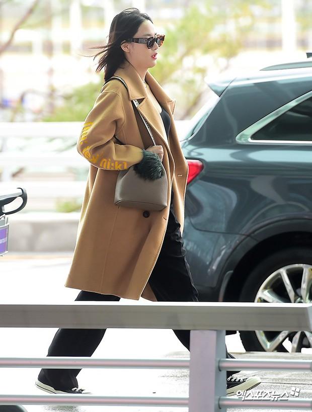 Bạn gái G-Dragon tăng cân vẫn thần thái ngút ngàn, Song Ji Hyo để mặt mộc 100% xuất sắc bên bộ đôi Running Man - Ảnh 7.