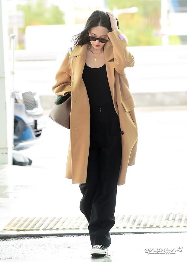 Bạn gái G-Dragon tăng cân vẫn thần thái ngút ngàn, Song Ji Hyo để mặt mộc 100% xuất sắc bên bộ đôi Running Man - Ảnh 8.