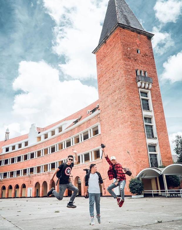 Đây chính là ngôi trường nằm trên đồi đẹp nhất Đà Lạt, được dân tình checkin nườm nượp - Ảnh 8.