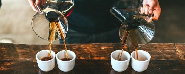 Thời điểm hoàn hảo để uống cafe - vừa tỉnh táo mà đêm vẫn không bị mất ngủ - Ảnh 1.